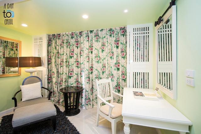 phuket luxury accommodation, karon beach resort