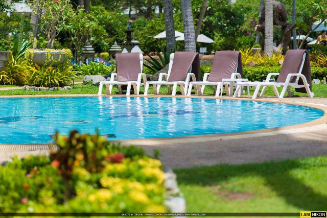 swimmimg pool karon resort, Thavorn Palm Beach Resort