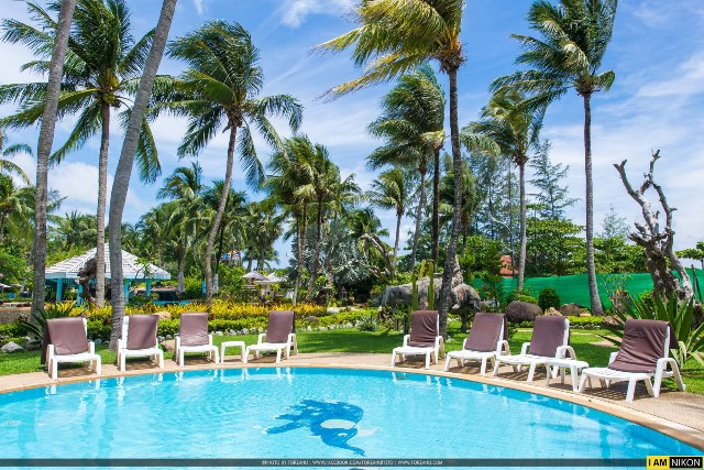 pool for kids, holiday in phuket, Thavorn Palm Beach