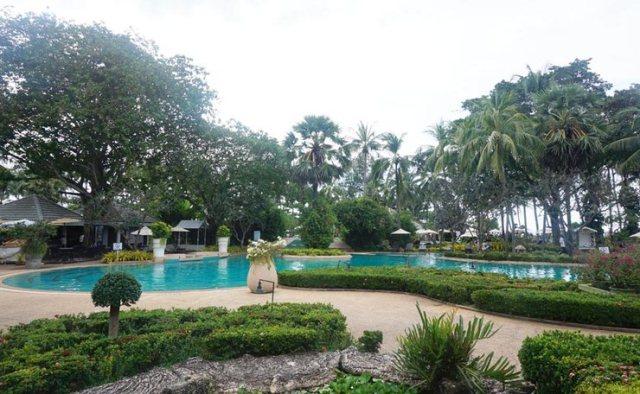 Thavorn_Palm_Beach_Resort_Phuket_Swimming_Pool