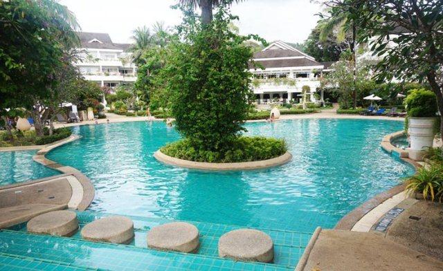Thavorn_Palm_Beach_Resort_Phuket_Pool