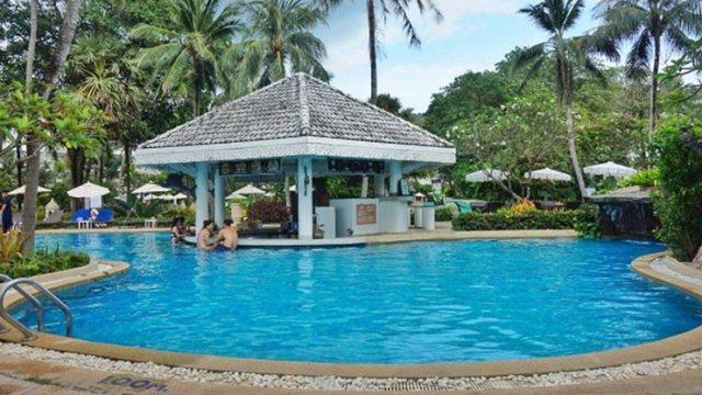Thavorn_Palm_Beach_Resort_Phuket_Pool_Bar