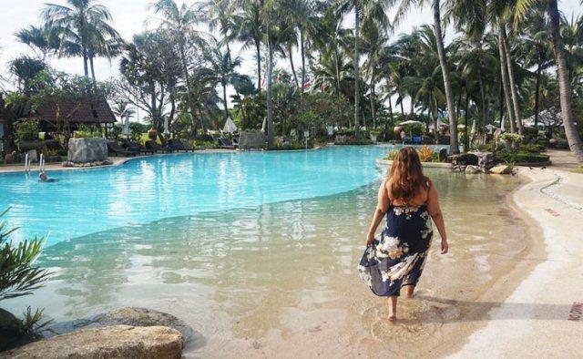 Thavorn_Palm_Beach_Resort_Pool