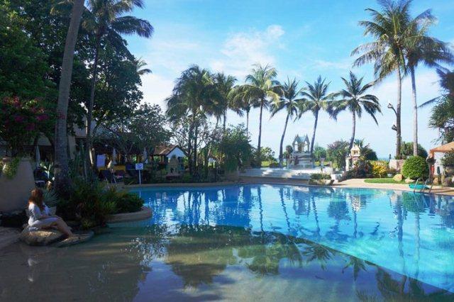 Swimming_Pool_Thavorn_Palm_Beach_Resort_Phuket