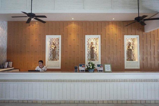Shayan_Naveed_Thavorn_Palm_Beach_Resort_Phuket_Lobby