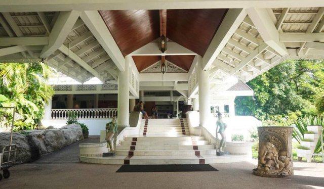Shayan_Naveed_Thavorn_Palm_Beach_Resort_Phuket