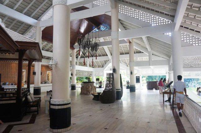 Thavorn_Palm_Beach_Resort_Phuket_Lobby_Area