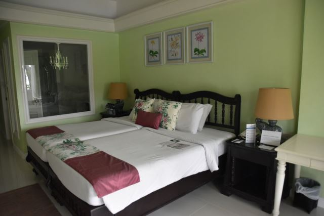 junior_suite_thavorn_palm_beach_resort_phuket
