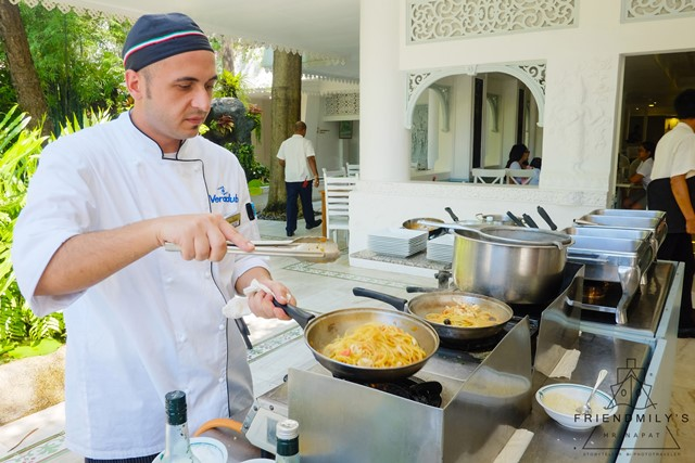 Breakfast_at_Thavorn_Palm_Beach_Resort_Review