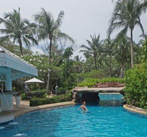 Karon_Resort_Phuket_Pool_Bar